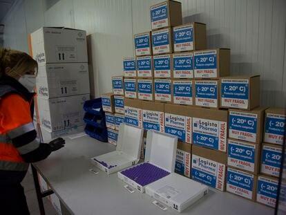 Instalaciones del Centro Logista Pharma, donde se almacenan y distribuyen las dosis de las vacunas frente al COVID-19 que se administran en la Comunidad de Madrid.