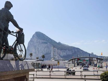 Vista de la frontera con Gibraltar desde La Línea (Cádiz).