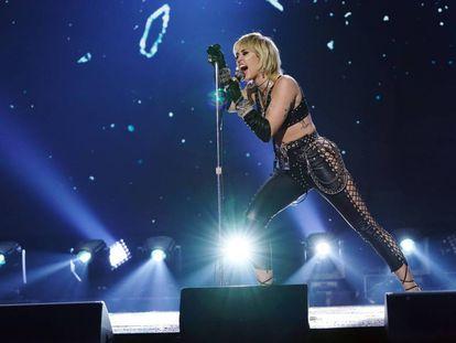 Miley Cyrus el 31 de diciembre de 2020 en el espectáculo televisivo 'Dick Clark's New Year's Rockin' Eve'.