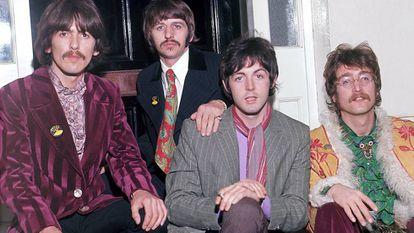 De izquierda a derecha, George Harrison, Ringo Starr, Paul McCartney y John Lennon: The Beatles en 1967.