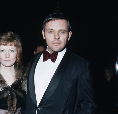 El actor Anthony Hopkins, en 1973, acude a los premios SF&TV (posteriormente llamados BAFTA) en el  Royal Albert Hall en London.