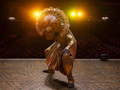 Ricardo Nikosi, en un ensayo de 'El rey león' el miércoles pasado.