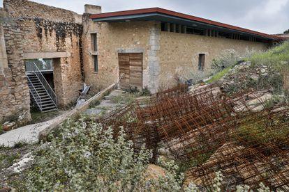 Aspecto exterior del centro de recepción de visitantes del castillo de Sagunto.
