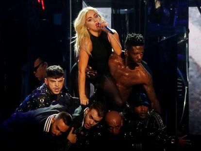 Un momento de la actuación de Lady Gaga.