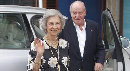 Los reyes eméritos, Juan Carlos y Sofía, en Sanxenxo (Pontevedra) en julio de 2019.