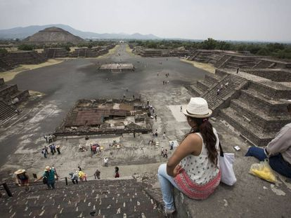 Turistas en la zona arqueológica de Teotihuacan.