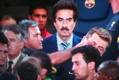 Mourinho le mete el dedo en el ojo a Vilanova.