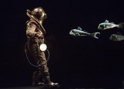 Representación teatral de '20.000 leguas de viaje submarino', en París