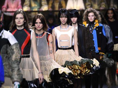Desfile de Louis Vuitton de su colección otoño-invierno 2020-2021, en París.