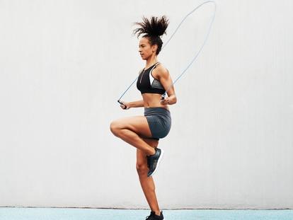 Incrementa la resistencia muscular y mejora la coordinación progresivamente. GETTY IMAGES.