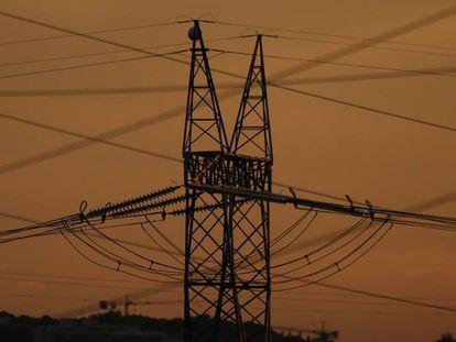 Torretas eléctricas en el Corredor del Henares.