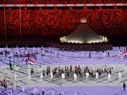 Un momento del desfile de los deportistas durante la ceremonia inaugural de los Juegos Olímpicos de Tokio 2020.