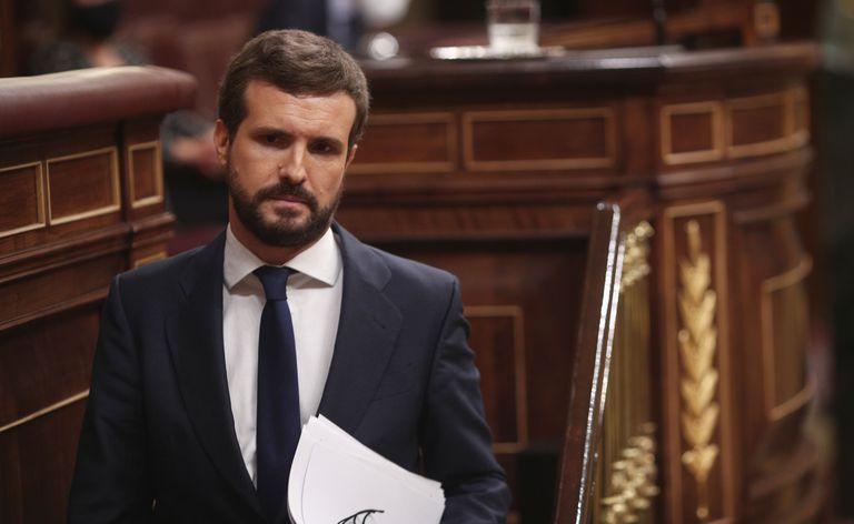 Pablo Casado tras su intervención durante la segunda sesión del pleno en el que se debatía la moción de censura planteada por Vox.
