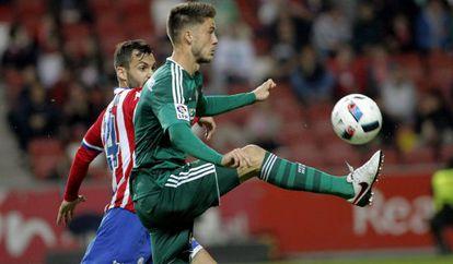 Ricky van Wolfswinkel marcó dos de los tres goles del Betis.