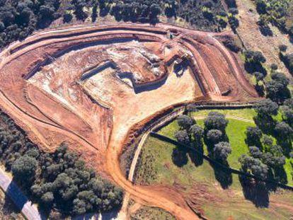 La organización Stop Uranio ha denunciado a la empresa Berkeley Minera España por la supuesta falta de los permisos pertinentes para la obra