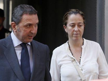 Florencia Maté saliendo de la Audiencia Nacional.