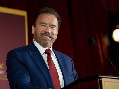 Arnold Schwarzenegger, en Los Ángeles (EE UU), el pasado febrero. En video, el mensaje compartido en redes sociales.