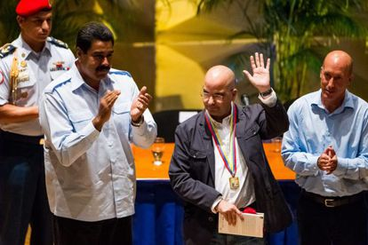 El puertoriqueño Eduardo Lalo y el presidente de Venezuela, Nicolás Maduro.