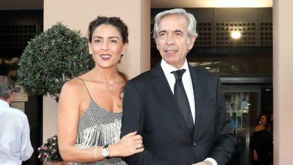 Imanol Arias e Irene Meritxell, en unos premios en Marbella en septiembre de 2018.