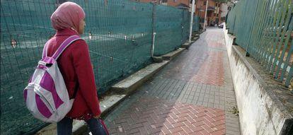 Najwa Malha en 2010, cuando su instituto le prohibió acudir a clase con 'hiyab'.