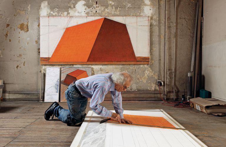 Christo, en su estudio neoyorquino, en 2012.