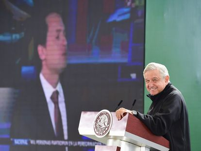 Andrés Manuel López Obrador, Presidente de México, ofreció su conferencia matutina en la base militar de Santa Lucía del Camino.