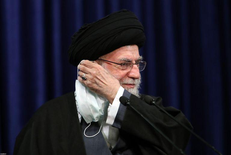 El líder supremo de Irán, el ayatolá Ali Jameneí, en una imagen facilitada por su oficina durante una videoconferencia el 16 de febrero de 2021.