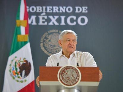 El presidente Andrés Manuel López Obrador en su conferencia matutina el lunes en Cancún.