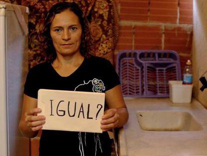 Ramunda Lima, brasileña, se pregunta si hay realmente igualdad en el marco de una campaña del Banco Mundial. Brazil.