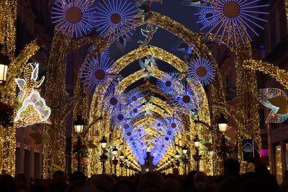 Iluminación navideña de la calle Larios de Málaga.  