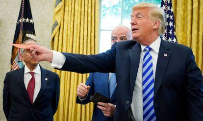 Trump, en una reunión con el presidente de la FIFA, Gianni Infantino.