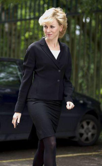 La actriz Naomi Watts, caracterizada como la princesa Diana.