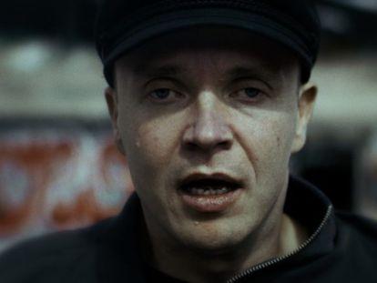 Petri Poikolainen, en un fotograma de 'El hombre ciego que no quería ver 'Titanic'.