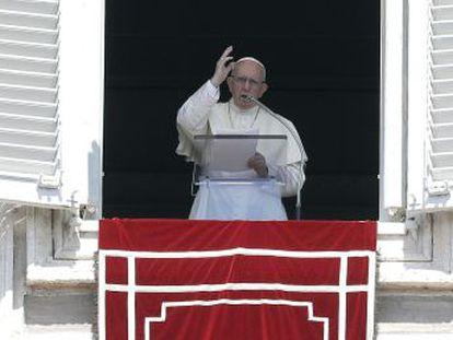 Francisco solicita a los responsables eclesiásticos que denuncien los posibles casos de pederastia