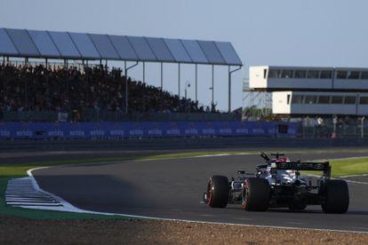 Lewis Hamilton en el circuito de Silverstone.