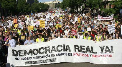 Miles de personas se concentran en Madrid para reclamar que los ciudadanos sean tenidos en cuenta por los políticos.