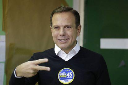 João Doria, al depositar su voto el domingo 2 de octubre