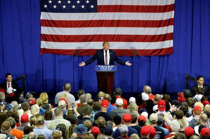 Donald Trump celebra un acto de campaña en Delaware (Ohio).