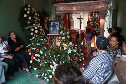 Funeral por el candidato a alcalde de Yurécuaro, Enrique Hernández.