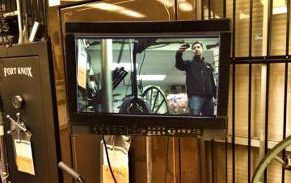 El gerente de locaciones, durante una filmación.
