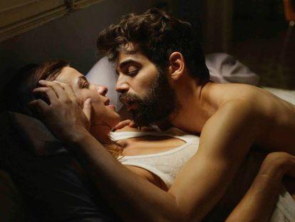 """Cuidado con airear intimidades: condenada por quejarse en televisión de los ruidos """"sexuales"""" de su vecina"""