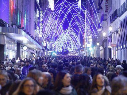 La calle de Preciados en diciembre de 2016.
