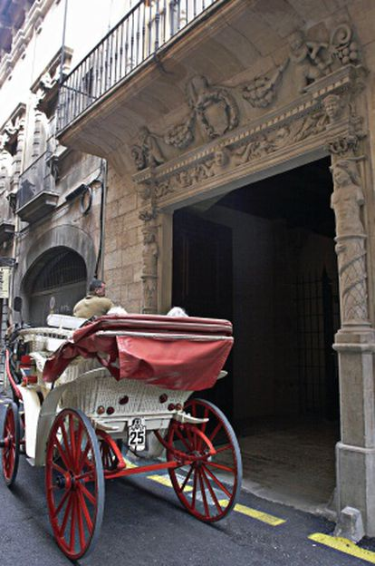 Fachada del palacete donde Matas compró las viviendas.