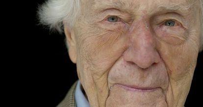 El editor gráfico John. G. Morris.