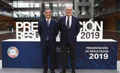 El consejero delegado de Endesa, José Bogas, (I) junto a Luca Passa, director general de Finanzas en la presentación de resultados.