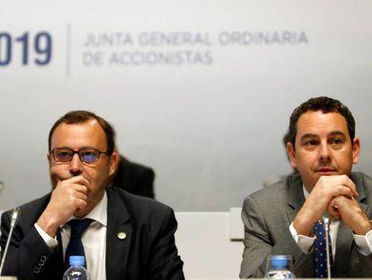 Raimon Grifols y Víctor Grifols Deu, coconsejeros delegados de Grifols en una junta de accionistas de la compañía