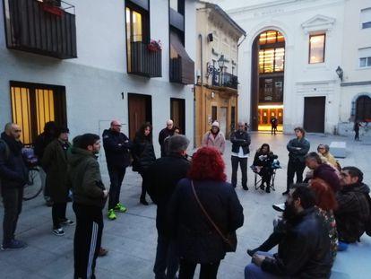 Una asamblea vecinal en el barrio valenciano del Cabanyal, este viernes.