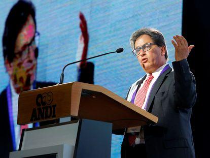 El ministro de Hacienda de Colombia, Alberto Carrasquilla, durante un congreso de empresarios en Medellín el pasado agosto.