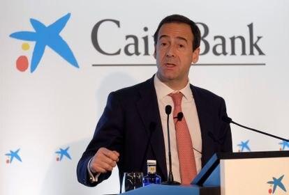 Gonzalo Gortázar atiende a la prensa durante la presentación de resultados de CaixaBank, en febrero de 2018.