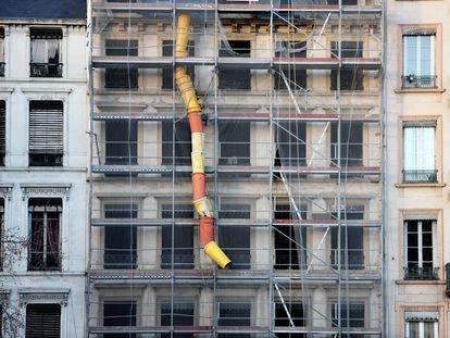 Obras de rehabilitación de un edificio de viviendas.